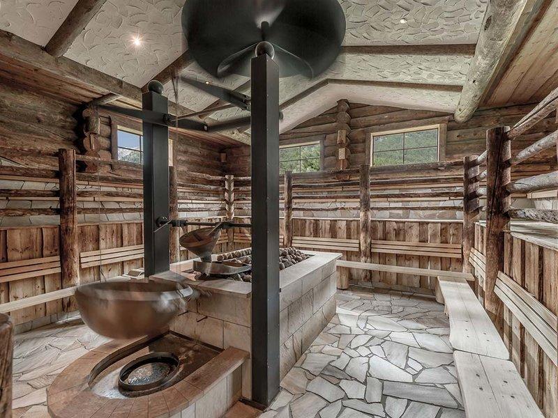 Sauna parlor